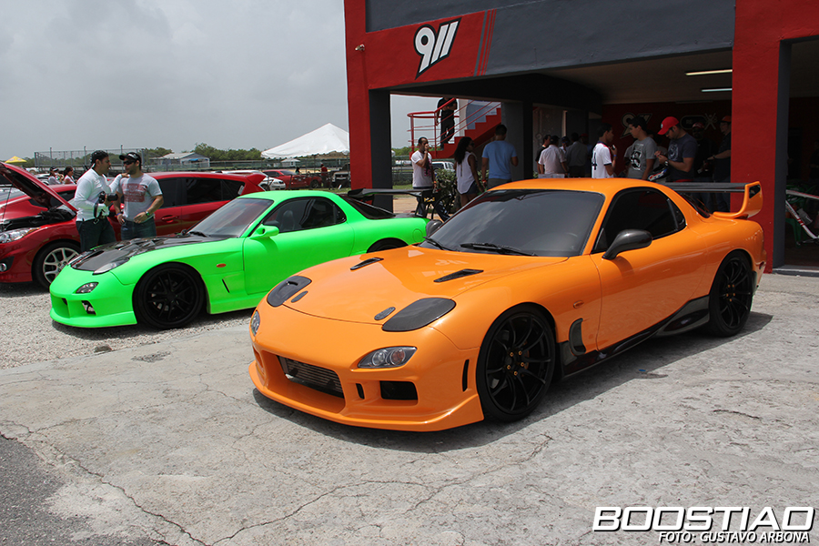 IMAGE: http://www.boostiao.com/portal/wp-content/gallery/2013/trackday/track_day_junio/IMG_0396.jpg