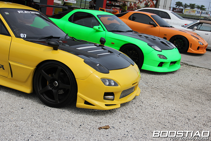 IMAGE: http://www.boostiao.com/portal/wp-content/gallery/2013/trackday/track_day_junio/IMG_0596.jpg